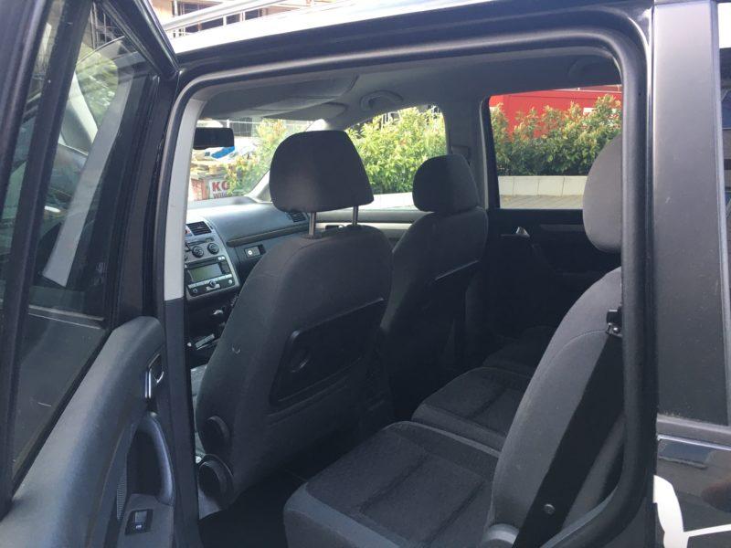VW Touran 7 Sitzter suche Dafür ein Automatik Auto