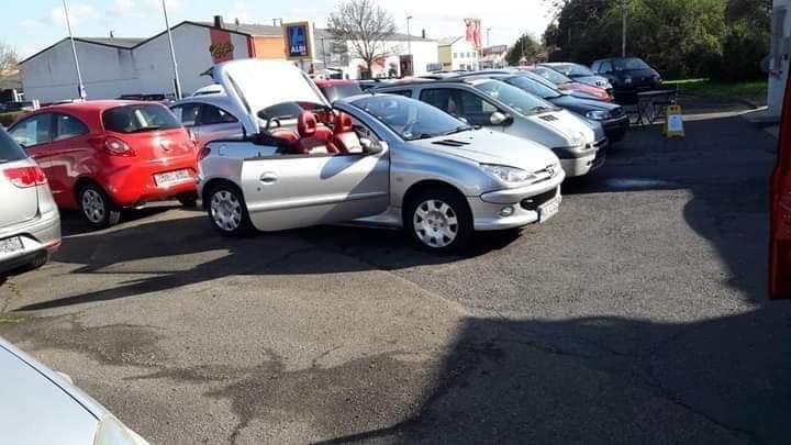 Tauche Peugeot CC 206 in vergleichbaren Kleinwagen